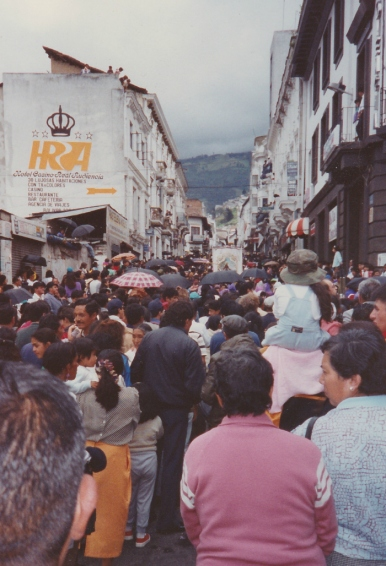 quito crowd